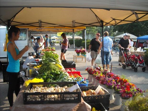 farmers market selling