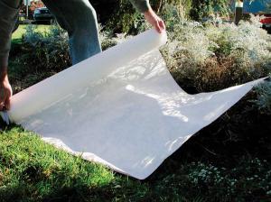 Spun bound frost blankets